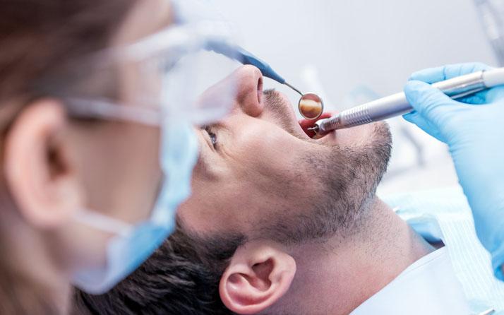 Système de purification et stérilisation de l'air pour cliniques dentaires